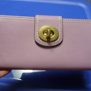 Authentic COACH Lilac Leather Turnlock Wallet